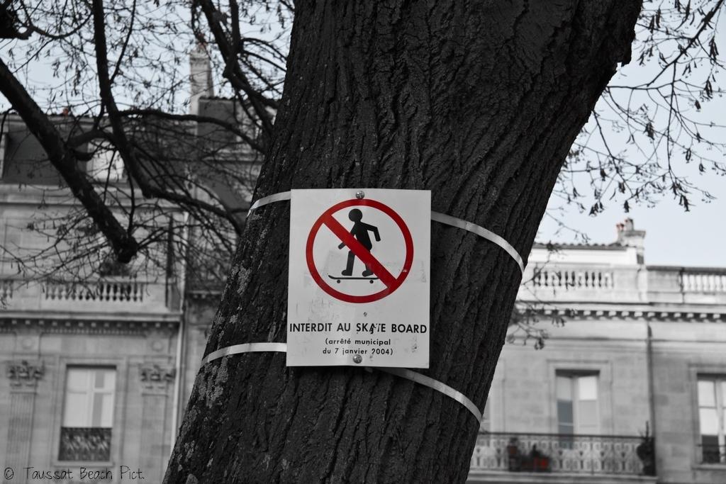 Skate interdit Bordeaux place pey berland