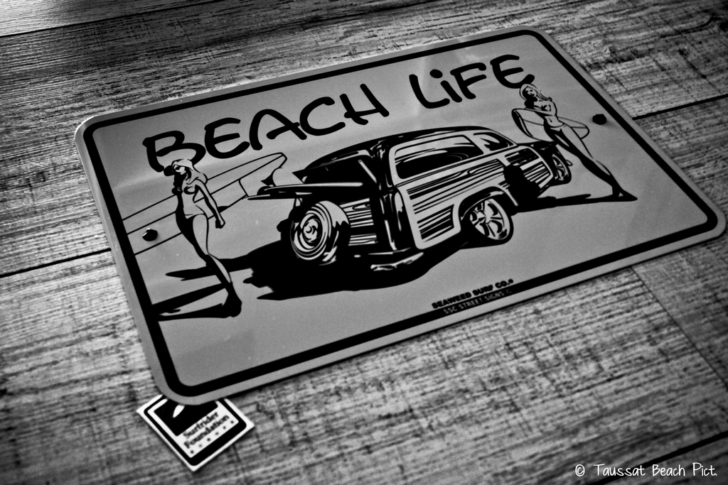 panneau, beach life, beach culture, surf, way of life, mur en bois, surf rider fondation