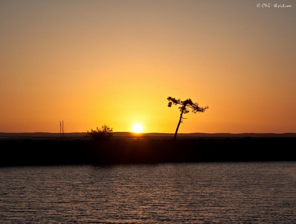 coucher de soleil contre jour